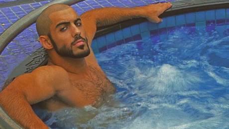 """Actualidad Actualidad La lujosa vida que el """"hombre más guapo del mundo"""" presume en Instagram"""