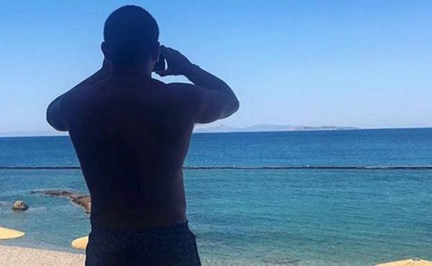 Actualidad Actualidad Jorge Javier Vázquez y sus vacaciones surrealistas en Grecia